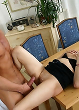 Hairy Housewife Playing With Her Pussy - Mature.nl video